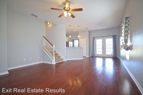 3773 Clubside Pointe Drive Photo 1