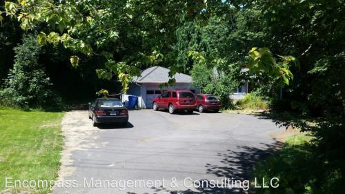 6905 SE Jennings Avenue Photo 1