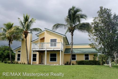 2919 S Indian River Drive Photo 1
