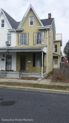 488 Elizabeth Street Photo 1