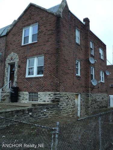3901 Elsinore St - 1st Floor Photo 1