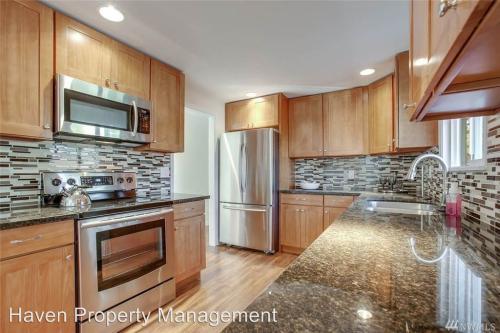 931 8th Street NE Photo 1