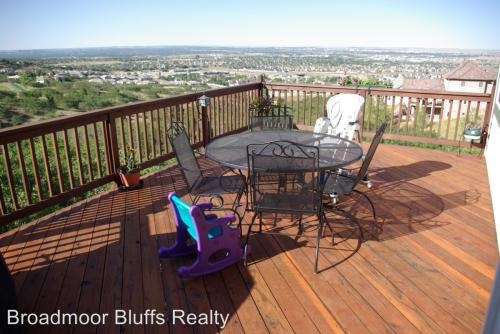 4820 Broadmoor Bluffs Drive Photo 1