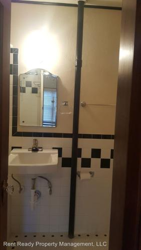 Apartment unit 101 at 211 s naches avenue yakima wa for Hardwood floors yakima wa