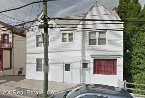 385 Ashford Ave Photo 1