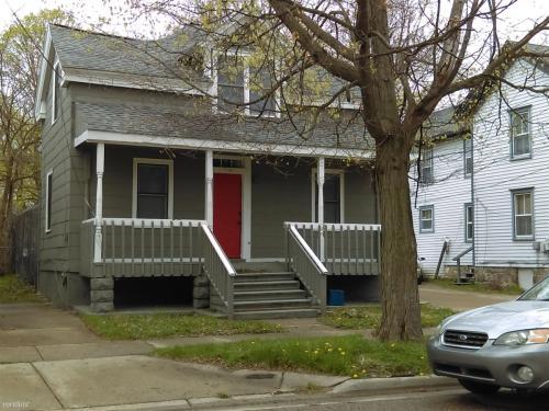 716 W Cedar Street Photo 1