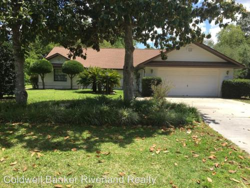 19952 SW 96th Place Furnished Pool Home Photo 1