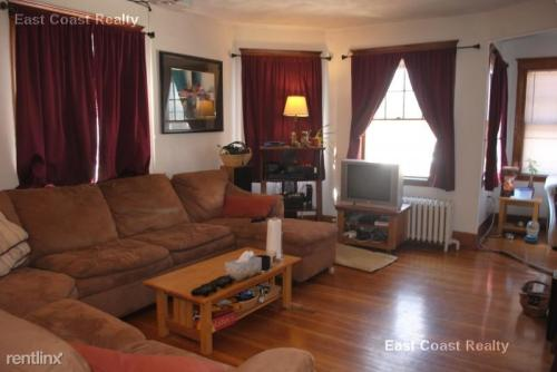 230 S Huntington Avenue Photo 1