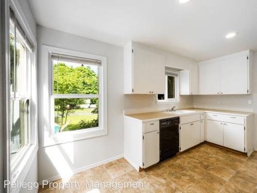 30024 8th Avenue SW Photo 1