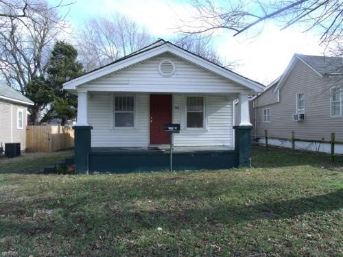 902 E Garfield Street Photo 1
