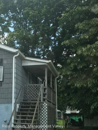 6925 1/2 Winfield Road Photo 1