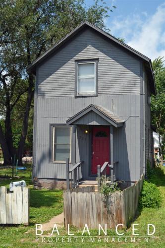 221 SW Polk Street Photo 1