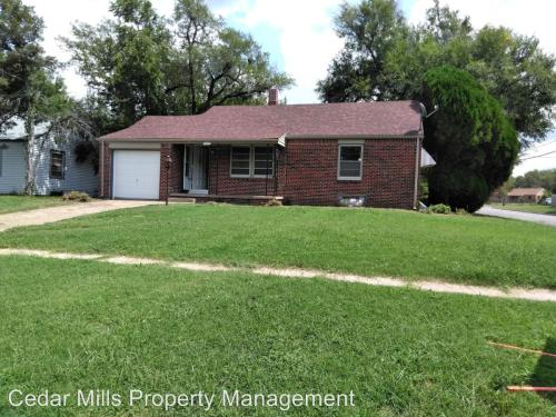 1702 N Bluff Photo 1