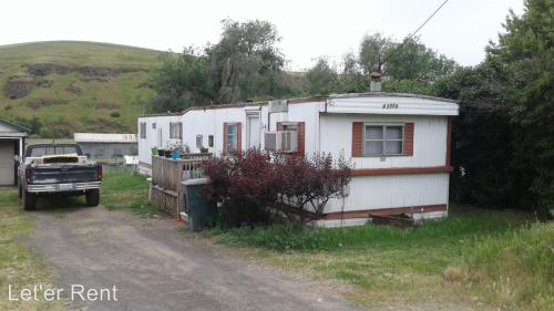 42886 Main Street Rieth Photo 1