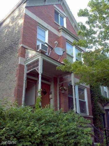 1622 W Wabansia Ave Photo 1