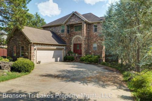 252 Summerwood Drive Photo 1