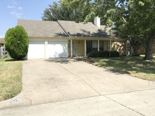 2638 Channing Dr Photo 1