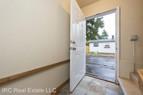 4317 NE Jarrett Street #B Photo 1