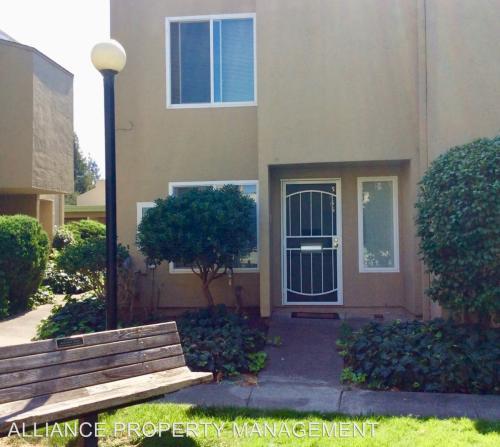 3064 Yulupa Ave Photo 1