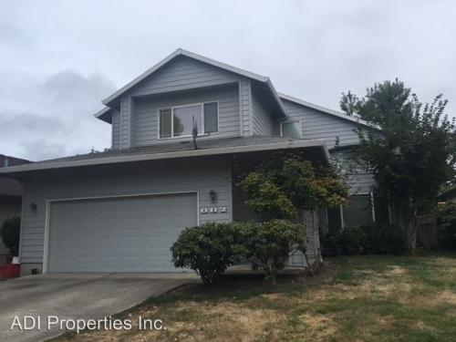 882 SW 202nd Ter Photo 1
