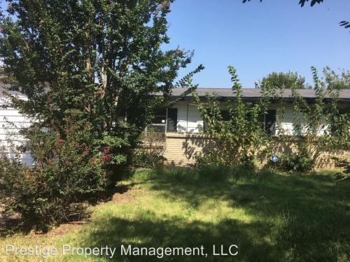 633 SW 45th St Photo 1