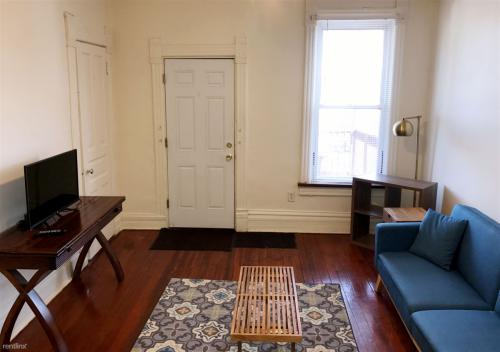 1623 N Winchester Ave #3R Photo 1
