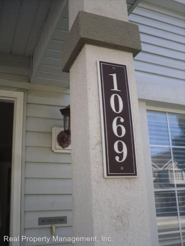 1069 Creekside Dr Photo 1