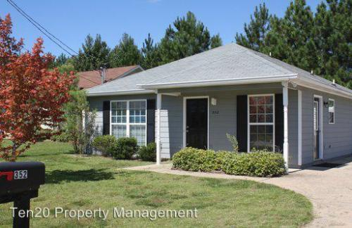 352 Mill Pond Dr Photo 1