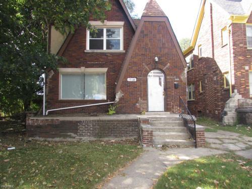 17135 Monica Street Photo 1