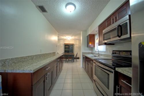 8750 SW 42nd Terrace Photo 1