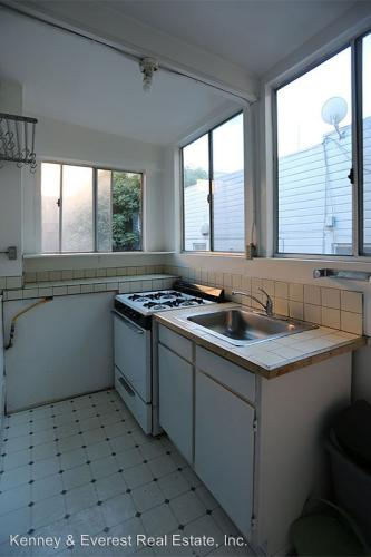 743 Greenwich Street Photo 1