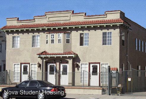 1359 W Adams Boulevard Photo 1