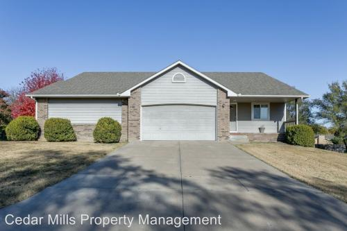 4744 N Hedgerow Photo 1