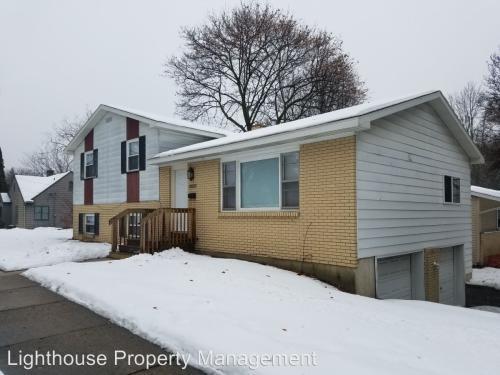 1561 Fuller Avenue NE Photo 1
