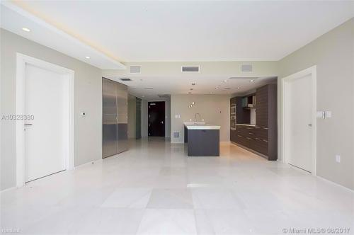 200 S Biscayne Boulevard Photo 1