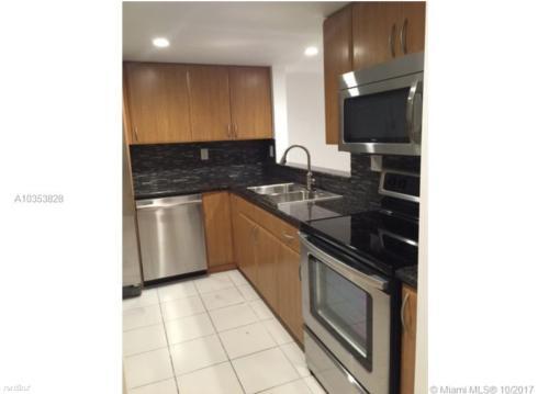 8075 SW 107th Avenue Photo 1