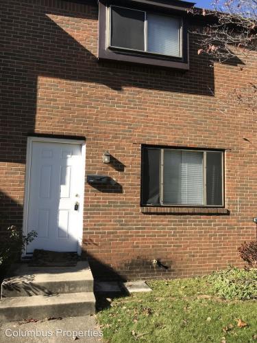4867 Foxcroft Court Photo 1