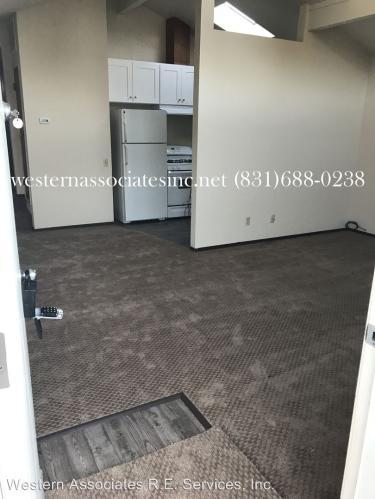 801 Estates Drive Photo 1