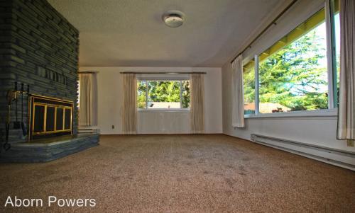 2932 Camino Heights Drive Photo 1