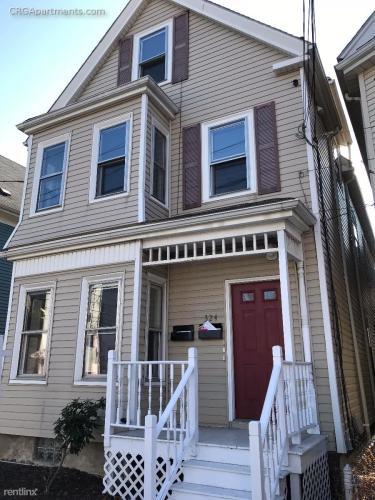 324 Washington Street Photo 1