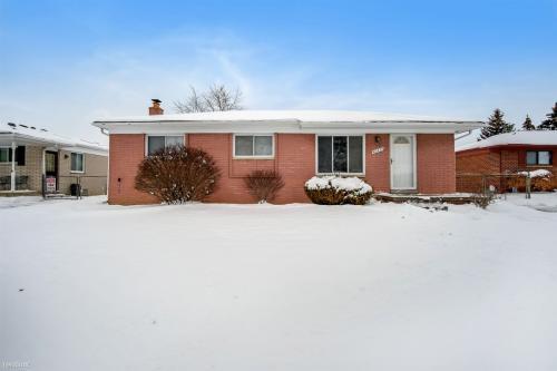 40427 Harmon Drive Photo 1
