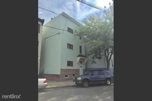 329 E Eagle Street Photo 1