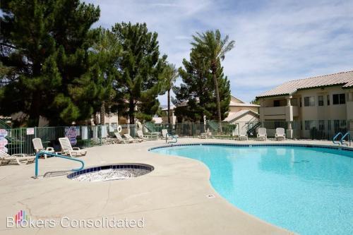 930 Mesquite Springs #201 Photo 1