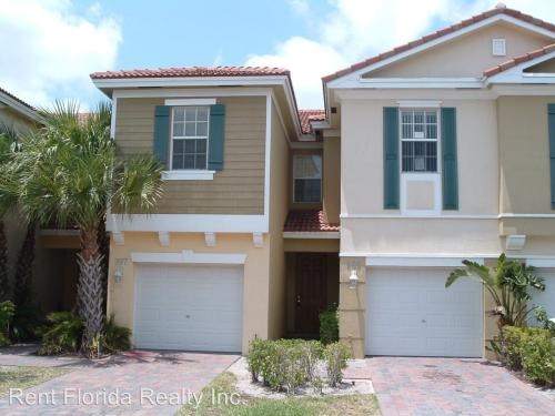 995 Pipers Cay Drive #1 Photo 1