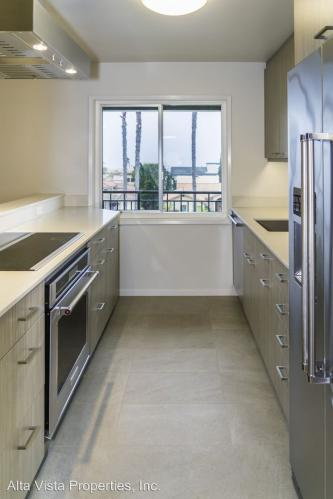 5367 La Jolla Boulevard #60 Photo 1