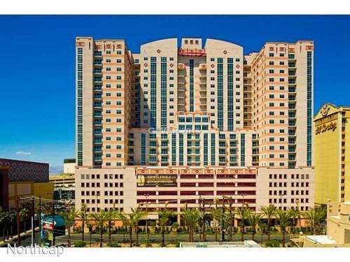 150 N Las Vegas Boulevard Photo 1