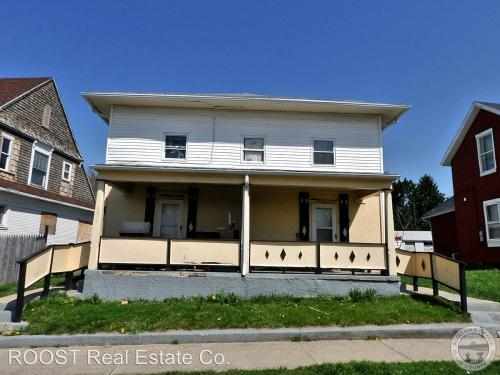 1212 E Mound Street Photo 1