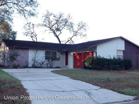 8017 SW 13th Road Photo 1