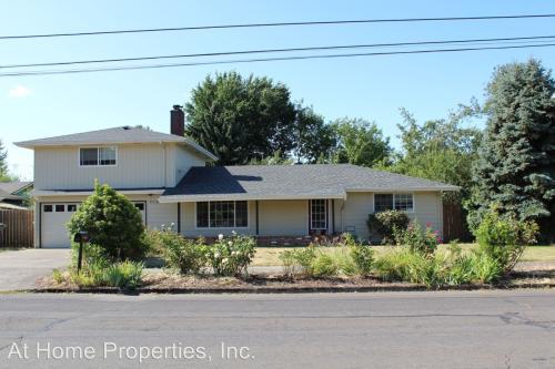 978 NW Sequoia Avenue Photo 1