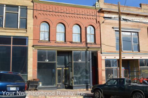 305 Victor Avenue Photo 1